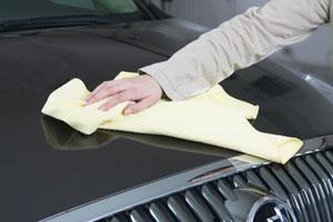 Le chiffon est non abrasif pour les revêtements des voitures