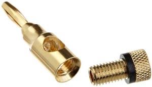 Insérez votre câble par l'ouverture en bas de la fiche et vissez