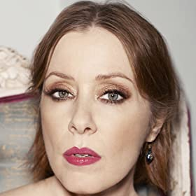 Suzanne Vega: Playing Solitude Standing and 99.9F