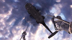Two soldiers repelling from a helicopter in Call of Duty: Modern Warfare: Reflex