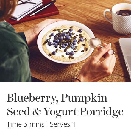 Blueberries, pumkin seed & natural yoghurt Quaker porridge