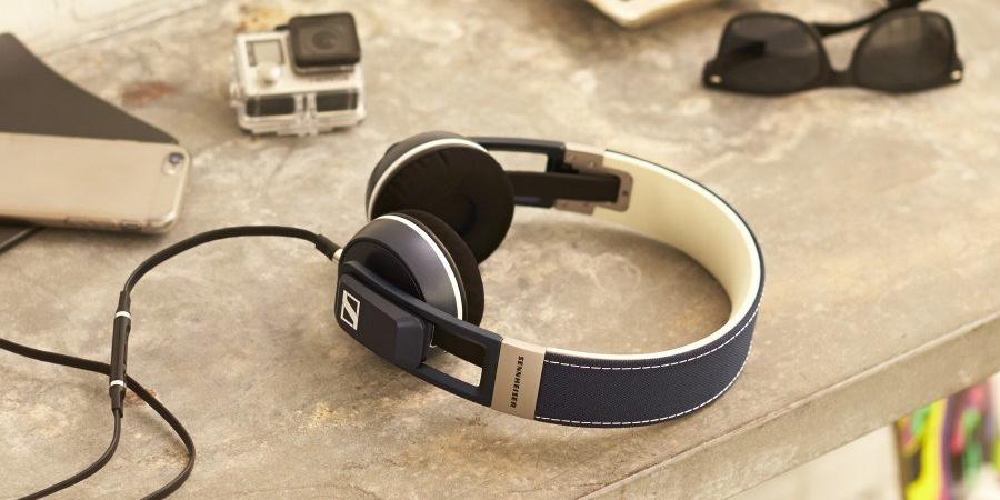 Headphones & Earphones Store
