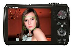 The FinePix F200EXR features Face Detection