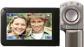 Smile Shutter automatically shoots still photos whenever your subjects smile, without interrupting your recording
