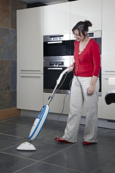 Ideal for cleaning a variety of sealed hard floors including tiles, lino, laminate and wood