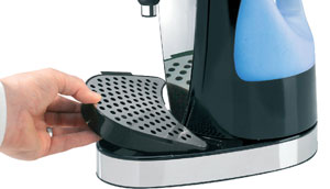 The Hot Cup's detachable drip tray in action