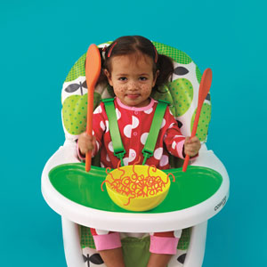 Baby using the 3Sixti Highchair