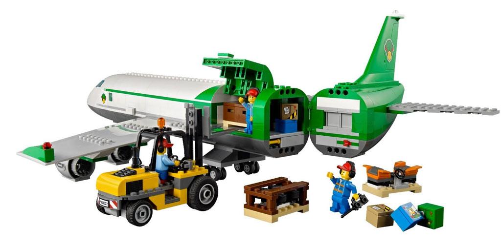 LEGO City Airport 60022: Cargo Terminal: Amazon.co.uk: Toys & Games
