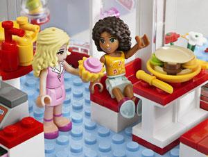 Andrea and Marie mini-dolls