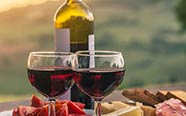 Feinkost und Wein