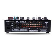 Die Anschlussmöglichkeiten des DJ-Mischpults erlauben eingangsseitig die Verschaltung mit allen klassischen DJ-Instrumenten