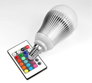 technaxx rgb led lampe e14 eek a 5 watt multicolor farbwechsel dimmbar mit infrarot. Black Bedroom Furniture Sets. Home Design Ideas