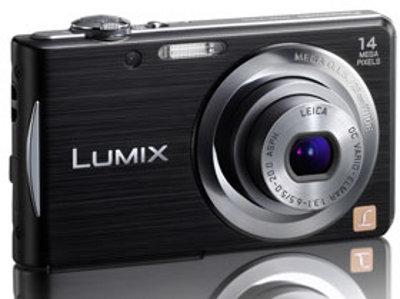 Superschlanke Lifestyle-Kameras mit Leica-Objektiv