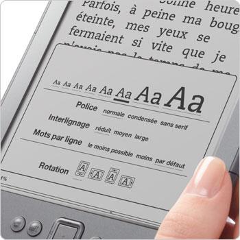 Changer la police et la taille de la police sur la liseuse Kindle. Huit tailles ajustables et trois styles de police.