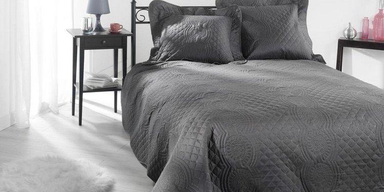 Dessus de lits et couvre lits