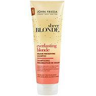 Préservez l'éclat de vos cheveux blonds colorés !