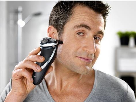 Soignez votre image avec le rasoir électrique Philips PowerTouch PT920