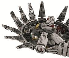 Lego star wars 7965 jeu de construction millenium for Interieur vaisseau star wars