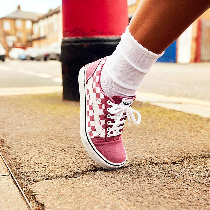 Sneaker di tela