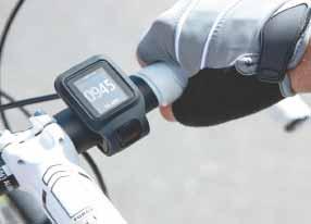 Monitora la distanza percorsa durante la corsa, in bici e a nuoto