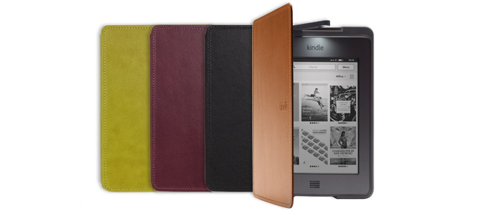 La custodia ufficiale Amazon in pelle per Kindle Touch con luce