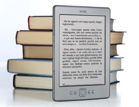 Il dispositivo di lettura Kindle contiene fino a 1.400 libri