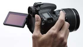 Captura cualquier ángulo con una pantalla de 3 pulgadas (7,7 centímetros) de ángulo variable