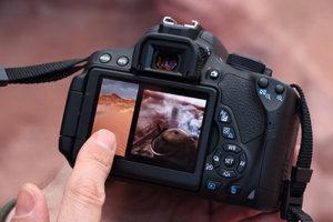 Dispara y enfoca con un solo toque en la pantalla táctil de la cámara