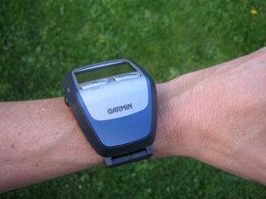 El Forerunner 305 incluye un receptor GPS de alta sensibilidad que apunta al cielo y que podrás utilizar cuando camines o corras