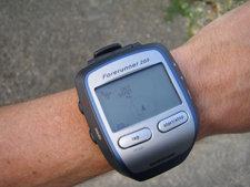 El Forerunner 305 incluye un receptor GPS con función de marcación de mapas, trayectos y ubicaciones.