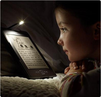 Funda de cuero con luz Amazon para Kindle, color marrón claro ...