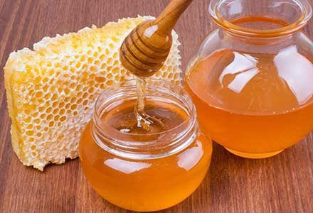 honey for dry skin, honey beauty products, benefits of honey, skincare benefits of honey