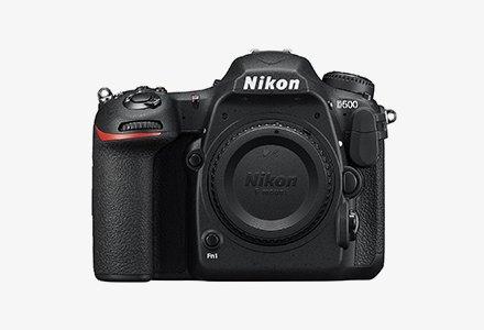 NIKON D 500