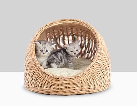 Kattenmanden en krabpalen