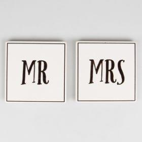 Herr und Frau Untersetzer von Sass & Belle sind ein ideales Geschenk für Paare & NEU Ehepaar. Set von 2Stück. 10x 10cm
