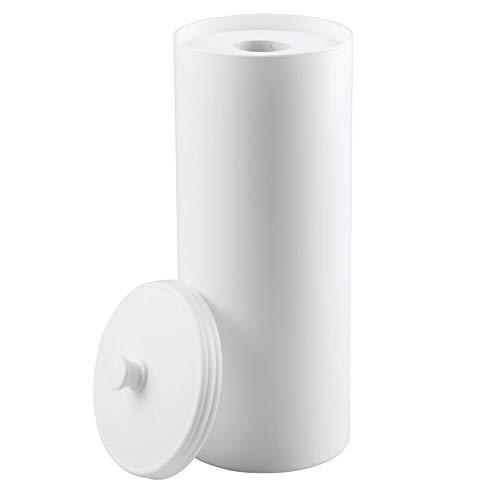 mDesign Dispensador de papel higiénico sin taladro - Decorativo portarrollos de pie - Discreto almacenaje de baño con tapa - Para 3 rollos de papel higiénico - Plástico resistente - Blanco