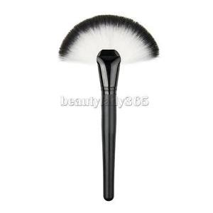 Alcoa Prime Large Fan Shaped Loose Powder Brush Black Handle Makeup Tools