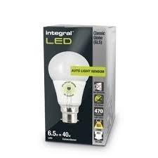 Led Capteur Lampe 6.5w=40w Blanc Chaud B22/BC Auto Capteur De Lumière GLS 470 Lumens Crépuscule À L'aube 25,000 Heures 270 Degrés Angle De Faisceau