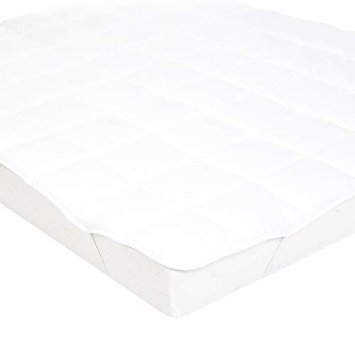 AmazonBasics Sur-matelas doux avec rembourrage en microfibre polyester et élastiques, 140 x 200cm, Blanc