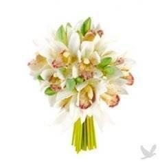 Ramo de flor natural formado por 3 varas de orquídea Cymbidium blanca. Estas orquídeas tienen aproximadamente 4 flores por tallo y una duración muy prolongada. Añade tu nota personalizada gratis! Este producto no admite la entrega urgente. jarrón opc...