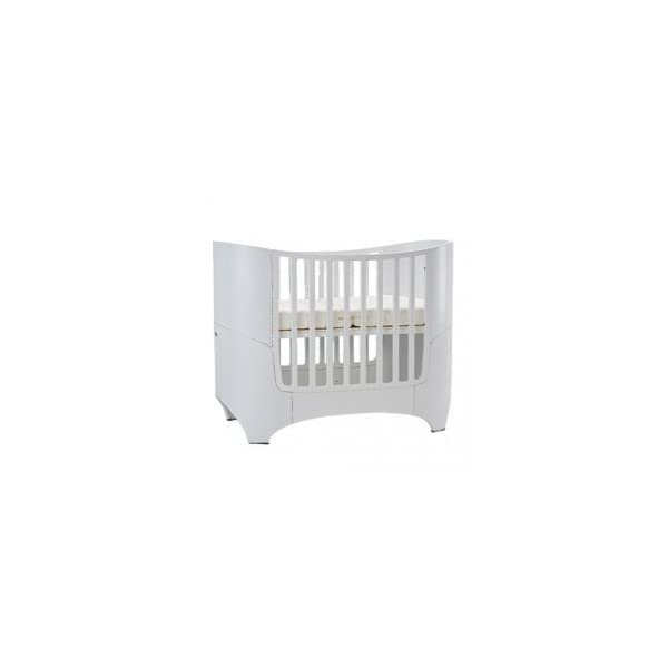 Leander bed, beech white (RAL9016)  Special colour: Painted white Can be used from babies first day to school age Including all mattress and slatted frame parts 1