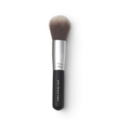 bareminerals-soft-focus-face-brush-by-bare-escentuals