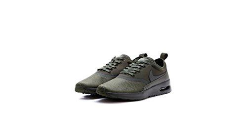 Nike Damen 848279-301 Fitnessschuhe, Grün Sequoia/Medium Olive, 38 EU