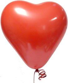 Rojo globos en forma de corazón