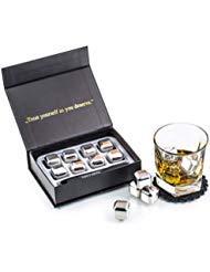 Exklusives Edelstahl Whisky Steine Geschenkset ? Hohe Kühltechnologie - 8 Whisky Eiswürfel Wiederverwendbar - Edelstahl Eiswürfel - Besondere Geschenke für Männer - Edelstahl Kühlstein von Amerigo