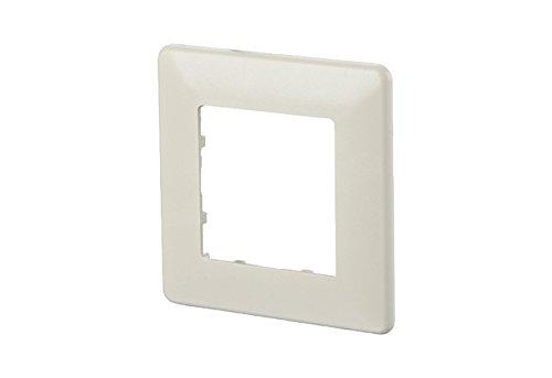 btr-netcom-820395-0102-i-color-blanco-toma-de-corriente