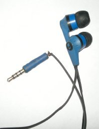 BLUE DIAMOND Skullcandy S2IKDY-101 In-Ear Headphone With Mic (Blue and Black)  available at amazon for Rs.919