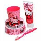 Divertiti con Hello Kitty mentre ti spazzoli i denti! Premi il pulsante di accensione e guarda come Hello Kitty se ne va in giro per l'isola sul suo scooter mentre ti spazzoli i denti per 1 minuto!