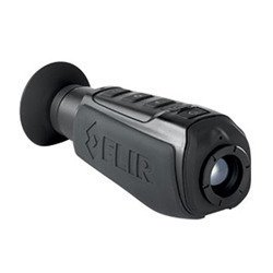 LS-XR 640x 51235mm FLIR, la portable monokulare Vision nocturne de caméra thermique spécialement développées pour de sécurité et de Forces de Police. Elle est équipé 640× 512Vox Micro Bolomètre
