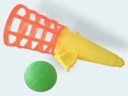 Fangbecher mit Ball sortiert